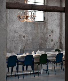 Carlo e Camilla Restaurant & Cocktail Bar by Tanja Solci Studio, Milan – Italy Restaurant Interior Design, Commercial Interior Design, Commercial Interiors, Restaurant Milan, Cocktail Bar Design, Chimney Breast, Cafe Style, Dark Interiors, Lounge