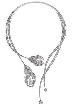 Displayed at this year's Biennale des Antiquaires in Paris, Chanel pays homage to Gabrielle Chanel's 1932 Exhibition de Bijoux en Diamants. Previously Chanel Chanel Jewelry, Jewelry Box, Jewelry Accessories, Fine Jewelry, Jewelry Necklaces, Jewelry Design, Unique Jewelry, Chanel Necklace, Boucheron Jewelry
