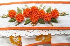 Lindo pano de prato com barra de tecido estampado, pode ser feito ema diversas cores! R$ 25,00