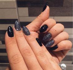 New year's eve black glitter nails