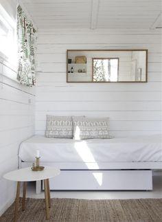 my scandinavian home: Summer cottage Estilo Interior, Home Interior, Interior Designing, Interior Decorating, Decorating Ideas, Decor Ideas, Style At Home, Home Bedroom, Bedroom Decor