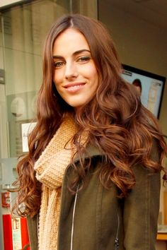 pretty pretty hair... loving this golden brown color for fall :)
