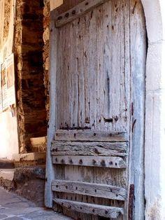 Las fotografías de Miguel Roa: Algunas escaleras, puertas y ventanas en la isla de Naxos (Grecia) - Some stairs, doors and windows on the island of Naxos (Greece)