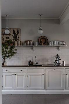 Kitchen Dining, Kitchen Cabinets, Minimalist Interior, Fixer Upper, Kitchen Remodel, Sweet Home, Interior Design, Room, Inspiration
