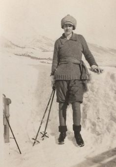The River-side via @theriversideUCC  Clodagh Leigh-White from Bantry, skiing holiday 1920 @UCCLibrary  @archivesireland @explorearchives