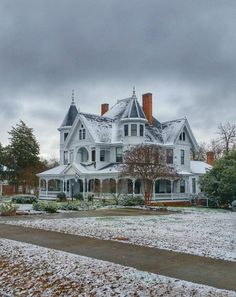John Calvin Owings Home - SC Picture Project Victorian Architecture, Beautiful Architecture, Classical Architecture, House Architecture, Style At Home, Victorian Style Homes, Victorian Era, Victorian Homes Exterior, Victorian Farmhouse