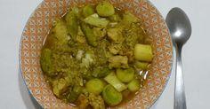 Soupe détox aux quinoa, poulet et poireaux. . La recette par Gourmicom.