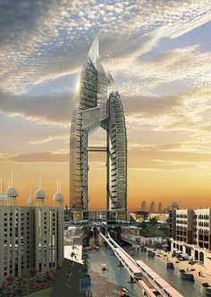 Embora até há pouco tempo a economia de Dubai fosse sustentada apenas pela indústria do petróleo, hoje em dia, sua principal receita provém do turismo, bens imobiliários e serviços financeiros