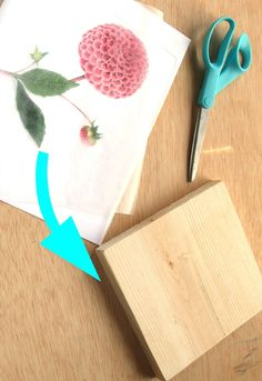 Super easy tutorial on how to transfer image or photo to wood in 2 minutes at almost no cost, & make beautiful printed wood wall art, home decor & gifts! - A Piece of Rainbow Diy Home Crafts, Diy Craft Projects, Wood Crafts, Fun Crafts, Arts And Crafts, Paper Crafts, Pallet Projects, Transfer Images To Wood, Wood Transfer