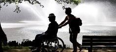 Τι συμβαίνει σε άτομα που φροντίζουν συγγενείς τους που είναι άρρωστοι; Αυτοί που φροντίζουν άλλους, χρειάζονται βοήθεια Τα άτομα που έχουν την ευθύνη ...