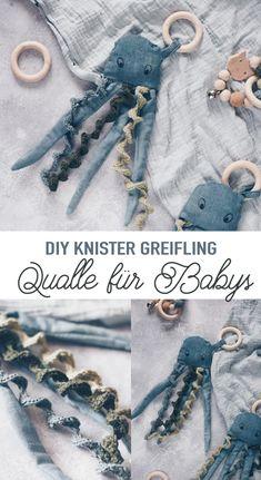 Baby Presents, Presents For Kids, Easy Diy Crafts, Crafts To Make, Sewing For Kids, Diy For Kids, Diy Mode, Textiles, Baby Bibs