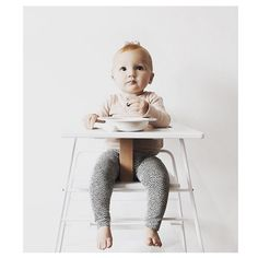 BudtzBendix TOWERchair in white is so fresh and modern. It even folds up for storage, or to be hung on the wall! White Metal highchair with wood seat and leather strap. Chair Backs, Folded Up, Modern Chairs, Baby Kids, Minimalist, Nursery, Fresh, Steel, The Originals