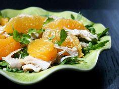 Salada de frango com laranja e rúcula