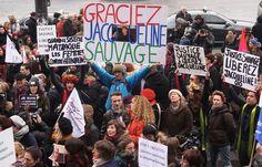 Hollande recevra vendredi la famille de Jacqueline Sauvage, condamnée pour le meurtre de son mari violent. Commentaire L' INFOTOX:  http://twitter.com/INFOTOX   F. Hollande peut, avec une médiatisation bien ficelée, être tenté de gracier J. Sauvage pour se (re)donner une image de président de gauche que le show de la démission de Taubira a effacée.