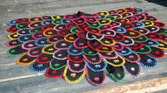 how to do klackmatta Swedish Embroidery, Wool Embroidery, Wool Applique, Embroidery Patterns, Textiles, Crafts To Sell, Handicraft, Diy Tutorial, Wool Felt