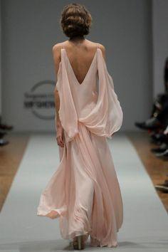Vestido de Jorge Acuña. #casamento #vestidodenoiva #rosa