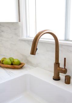 kitchen faucet // smitten studio