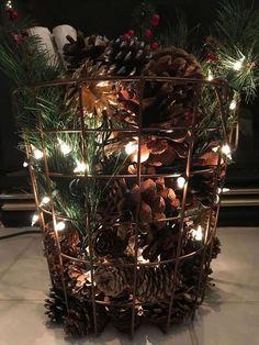 Farmhouse Christmas Decor, Country Christmas, Outdoor Christmas, Winter Christmas, Christmas Home, Christmas Greenery, Xmas Trees, Christmas Projects, Holiday Crafts