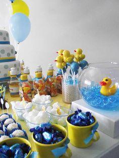 Decoração Provençal Festa do Pato Baby Shower Cakes, Elephant Baby Shower Cake, Boy Baby Shower Themes, Baby Shower Diapers, Baby Shower Decorations, Baby Shower Parties, Rubber Duck Birthday, Rubber Ducky Party, Rubber Ducky Baby Shower