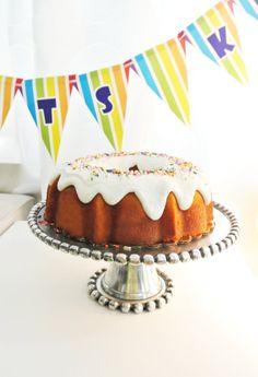 Puerto Rican Style Birthday cake/ Bizcocho Mojadito de Puerto Rico in Chicago! Only at Borinken Cakes