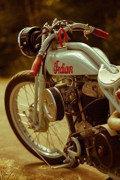 Indian motorcycle is one of my favorite bike! Motos Retro, Motos Vintage, Vintage Bikes, Vintage Motorcycles, Custom Motorcycles, Custom Bikes, Vintage Cars, Mv Agusta, Honda