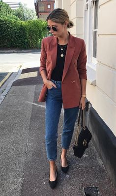 blazer and jeans outfit Classy Outfits, Casual Outfits, Curvy Outfits, Mode Outfits, Fashion Outfits, Workwear Fashion, Blazer Fashion, Fashion Ideas, Look Blazer