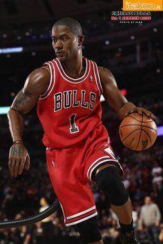 NBA Derrick Rose Collection Real Masterpiece Action Figure 1 6 Enterbay  Bulls Derrick Rose 70d7f9b70