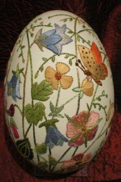 embroidered eggs just amazing