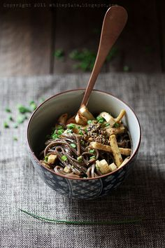 Sesame noodles with tofu