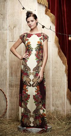 Vestido Longo O Grande Pavão | 20% Off | Antix Store