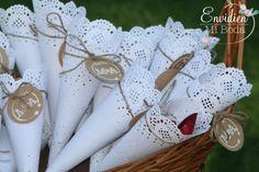 Detalles bonitos y handmade de la boda de Marta & Alberto por EnvidienMiBoda #weddingplanners #weddingsdesingners #sello #blondas #flores