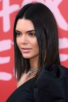 Kendall Jenner Natural Makeup Look Pelo Kendall Jenner, Kendall Jenner Short Hair, Kendall Jenner Style, Short Straight Hair, Straight Hairstyles, Cool Hairstyles, Long Haircuts, Kendalll Jenner, Kardashian Jenner