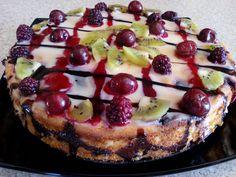 Творожная запеканка с фруктами и ягодами