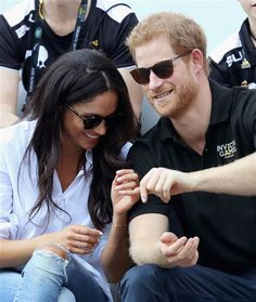 prince harry meghan markle   Meghan Markle, Prince Harry hold hands at Invictus Games ...
