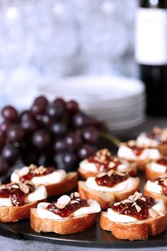 Great appetizers do not have to be complicated; this Fig Jam and Brie Crostini is the perfect example. Perfect for any gathering, it's easy and delicious. Great Appetizers, Appetizer Recipes, Dessert Recipes, Fig Appetizer, Snack Recipes, Toasted Almonds, Sliced Almonds, Sugar Donut, Fig Jam
