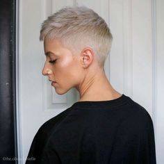 "Lopping your locks could be intimidating, however stylists say there is not any value to be abashed about aggravating a beneath 'do. ""Altering your ... Very Short Hair, Short Hair With Layers, Short Hair Cuts For Women, Short Curly Hair, Short Hair Styles, Modern Short Hairstyles, Short Layered Haircuts, Pixie Haircuts, Undercut Hairstyles"