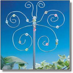 Garden Butterfly ~ Easy garden sparkle with wire & beads  (via kraftykid)