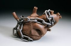 Richard_Notkin_Heart_Teapot_Hostage_IV_2263_308.jpg (1000×652)