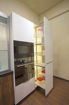 We are provide complete solution for kitchen drawer. ✔️ Cutlery Tray ✔️ Magic Corner ✔️ Tall Unit ✔️ Overhead Check it out and make your choice of kitchen now ! Kitchen Cabinets Tall Unit, Kitchen Cabinet Design, Kitchen Cupboards, Island Kitchen, Kitchen Designs, Kitchen Ideas, Kitchen Interior Diy, Diy Kitchen Storage, Kitchen Corner
