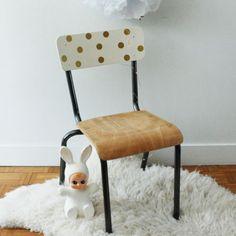 Chaise d'école primaire vintage                              …