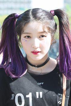 Kpop Girl Groups, Korean Girl Groups, Kpop Girls, Gfriend Yuju, Gfriend Sowon, Extended Play, Ribbon Hairstyle, My Wife Is, G Friend