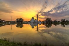 Morning Gold | As Salam Mosque | Puchong Perdana