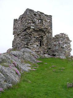 Carrickabraghy Castle, County Donegal, Ireland
