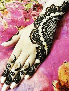 Another beautiful henna design for your hand