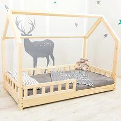 Łóżko Domek z barierkami drewniane