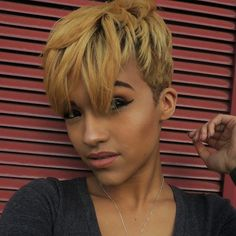 Blonde Pixie Cut On Black Girl - Coiffure Frisur Trendy Haircut, Short Pixie Haircuts, Pixie Hairstyles, Short Hair Cuts, Cool Hairstyles, Black Hairstyles, Curly Haircuts, Hairstyles 2016, Red Pixie Haircut