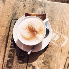 Amire most feltétlenül szükségem van. #kávé  I need  #fivesneakers #wecollectmemories #5tornacsuka #emlékeketgyűjtünk #coffetime Latte, Neon, Tableware, Travel, Instagram, Dinnerware, Viajes, Tablewares, Neon Colors