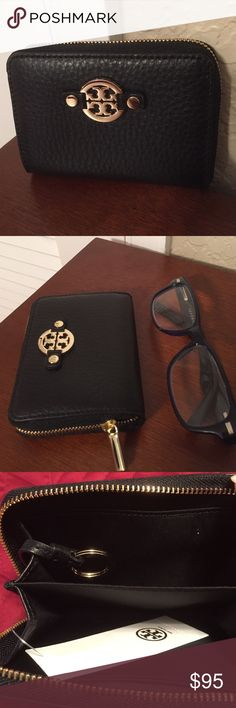 """Tory Burch """"Amanda"""" Key/Card/Coin case, Leather New, with tag.....The style name is """"Amanda"""" zip case in Black pebbled Leather. Inside has 2 separate compartments to hold your keys, credit cards, business cards, coins, bills, etc. Also inside are 2 slip pockets on each side. The zip around closure makes it secure so nothing can fall out. Tory Burch Accessories Key & Card Holders"""