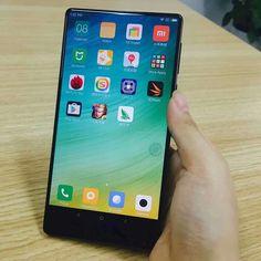Xiaomi Mi Mix, um Smartphone que a Xiaomi lançou recentemente com a sua parte frontal praticamente 90% sem bordas, o que veio para mudar a forma de se fabricar um Smartphone.