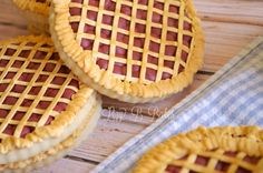 Cherry Pie Cookies (with a decorating tutorial) - so cute!